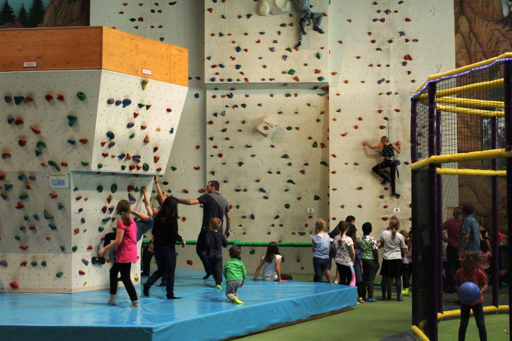 Tucherland Nürnberg, großer Indoorspielplatz in Franken, Mittelfranken mit Kindern und Jugendlichen, Ausflugtipps in Franken für Familien